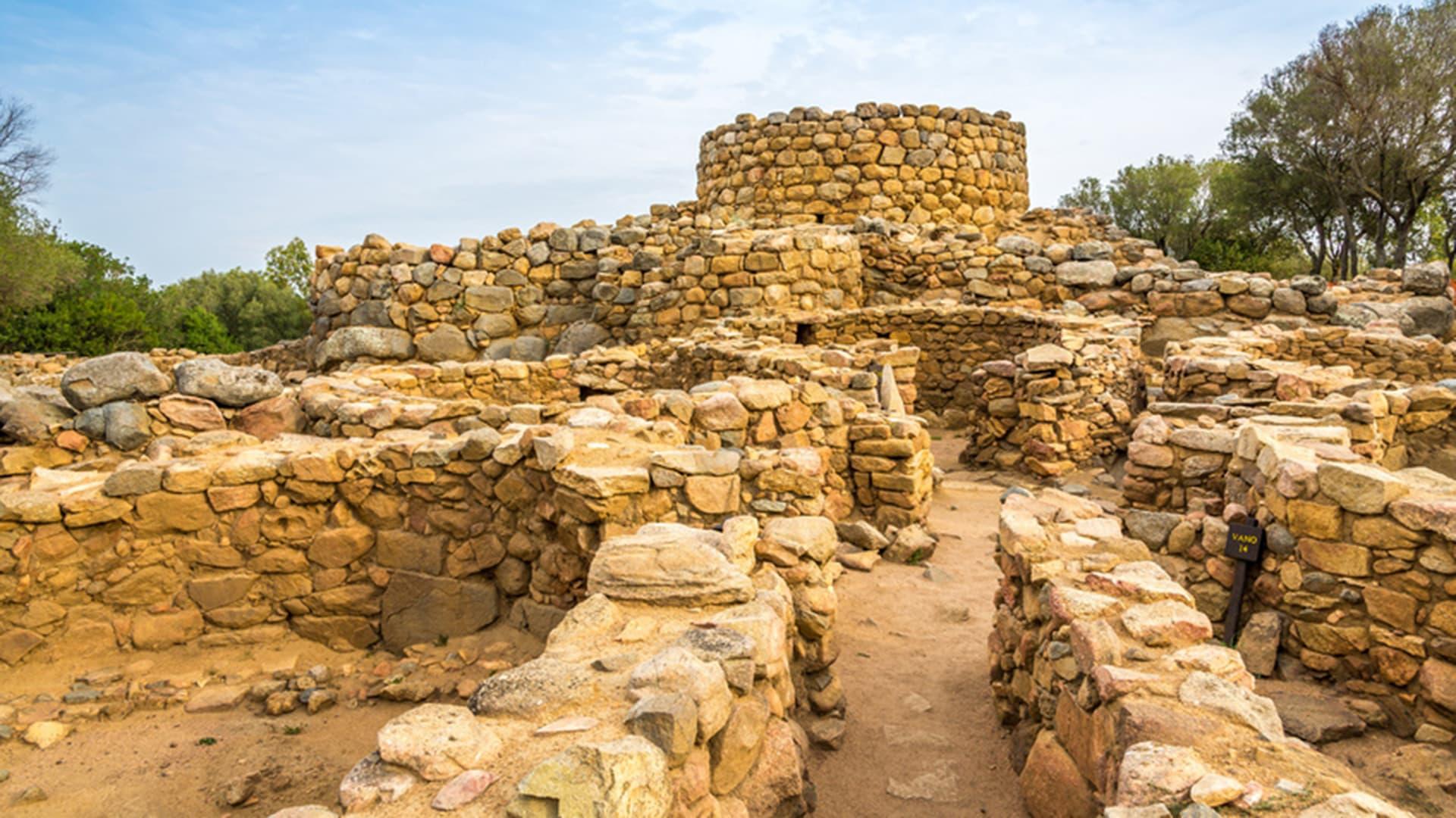 cala-falco-escursioni-archeo-tour-prisgiona-960